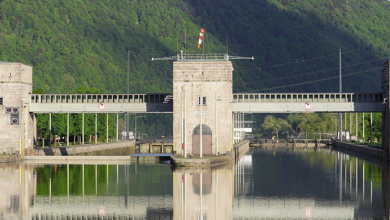 ドナウ川の水門